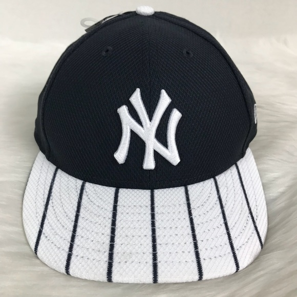 f59e1b60c1e98 New York Yankees New Era Fitted Pinstripe Cap Hat